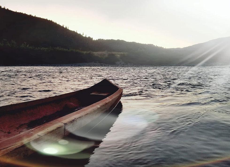 canoe in sun